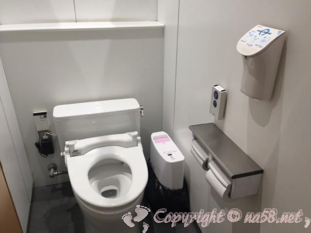 「道の駅 かつらぎ」奈良県葛城市 トイレ(女性用)内部