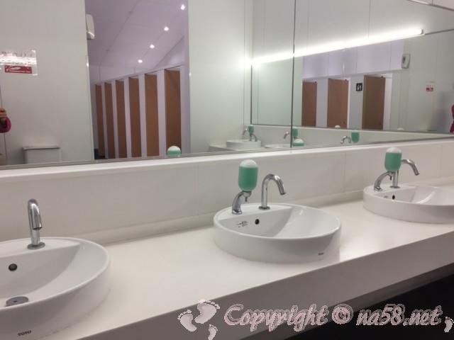 「道の駅 かつらぎ」奈良県葛城市 トイレ(女性用)の手洗い