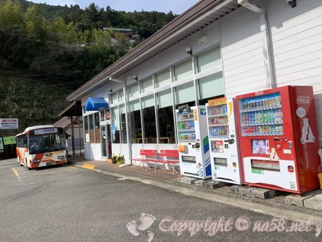 熊野那智大社への駐車場 大型バス可能バス停 観光案内所