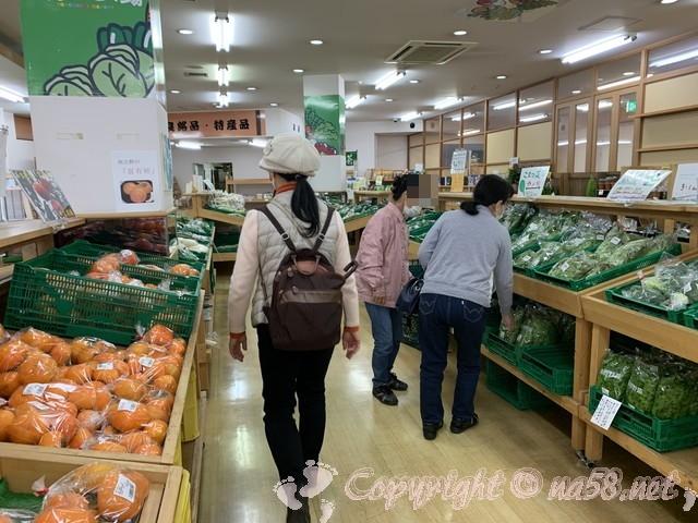 「道の駅針テラス」(奈良県奈良市)の産直、銘産品売り場