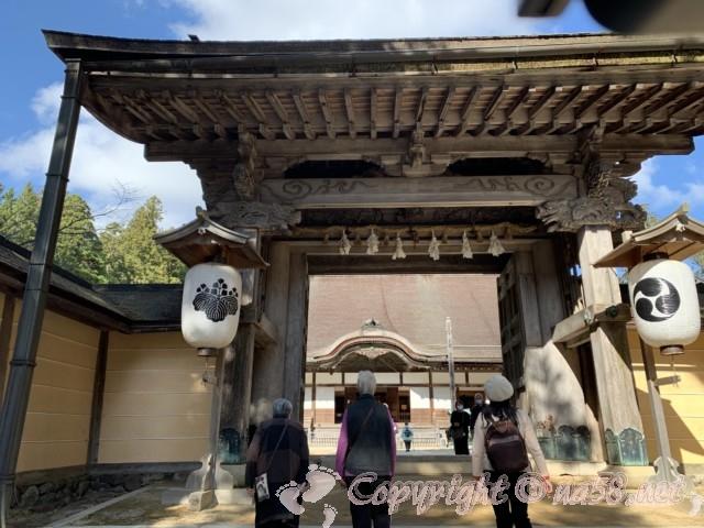 「金剛峯寺」の門(和歌山県高野町)