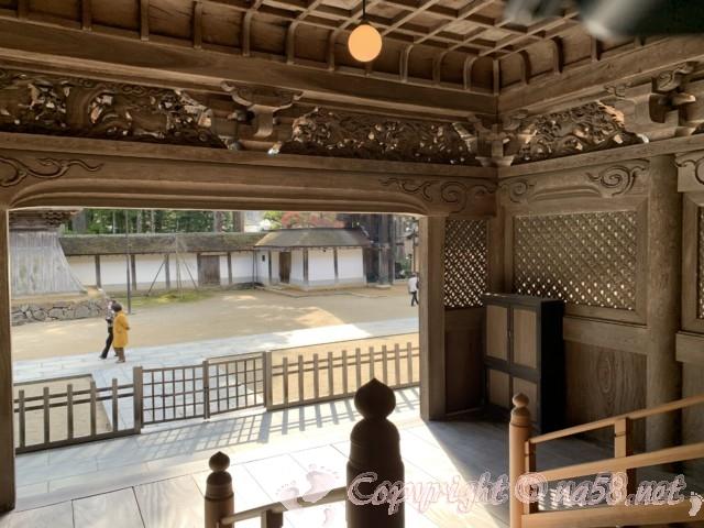 高野山の金剛峯寺 主殿の内部