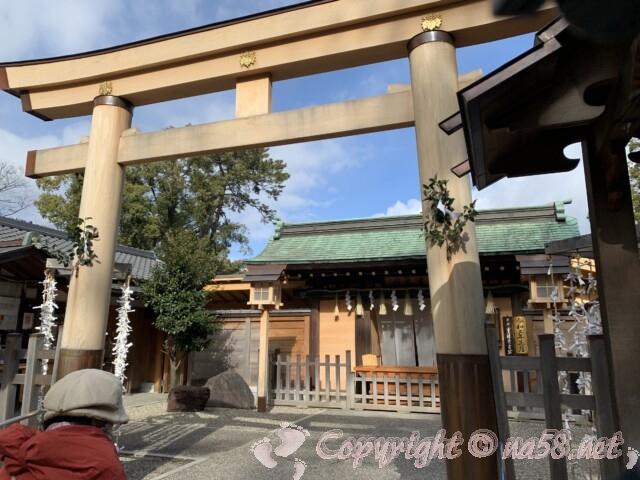 豊国神社 名古屋市中村区 拝殿前の鳥居と拝殿