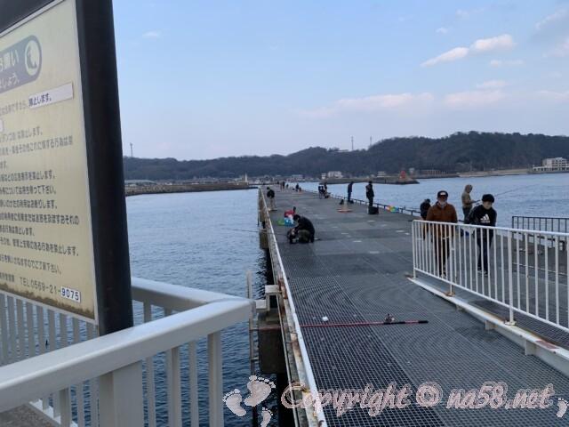 豊浜海釣り公園 愛知県知多郡南知多町豊浜 魚釣りの桟橋