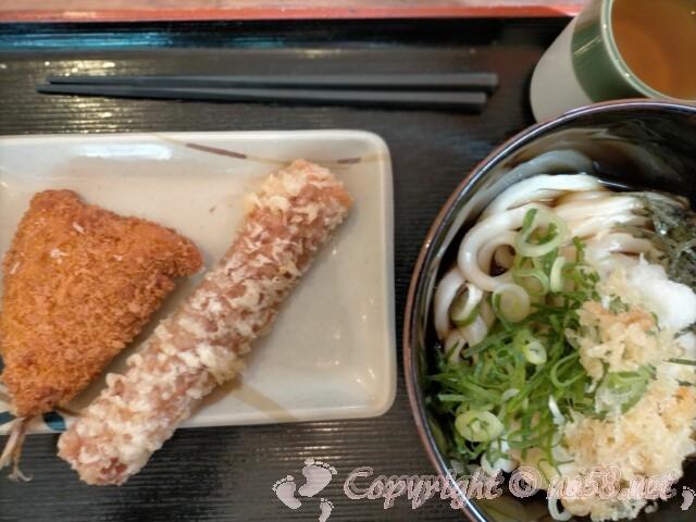 讃岐製麵 中切店で食事 ぶかっけうどんとちくわ天、アジフライ