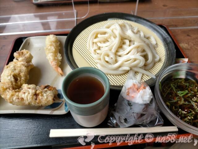 讃岐製麺 ざるうどん並、えび天小、鶏の天ぷら大 おにぎり