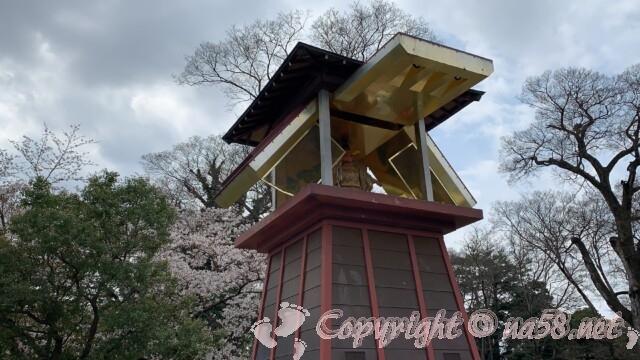 岡崎公園内 からくり時計塔 家康公の人形が能を舞います
