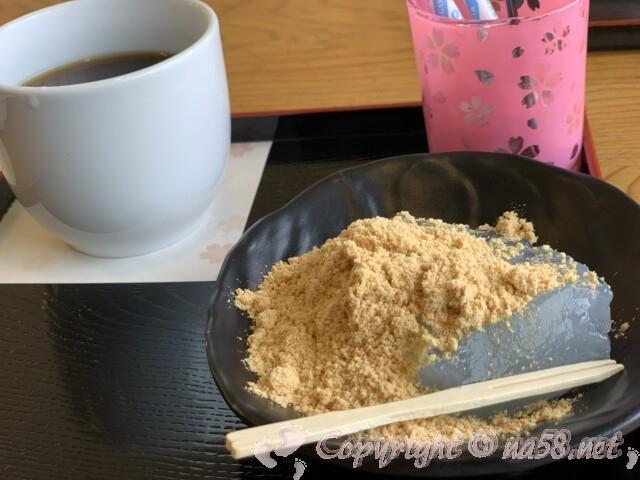 吉野山でくずもちとコーヒー
