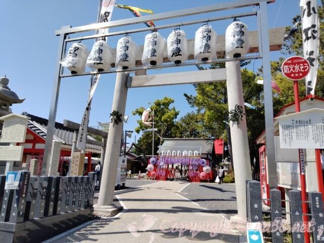 別小江神社(名古屋市北区)の鳥居と拝殿