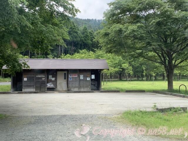 余呉湖あじさい園(余呉湖畔)近くのトイレ