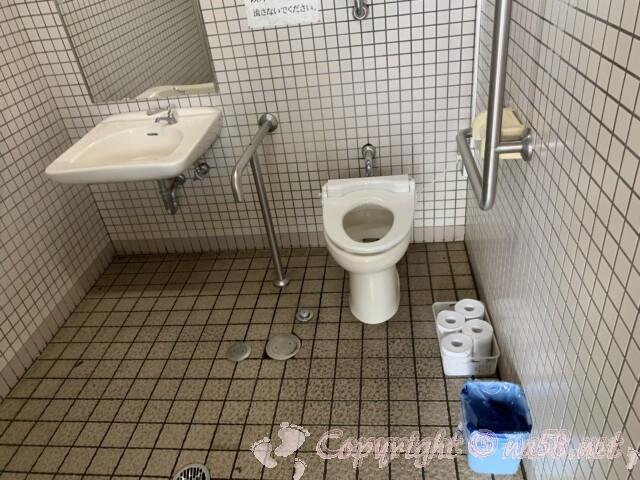 「道の駅 近江母の郷」(滋賀県米原市)の多目的トイレ