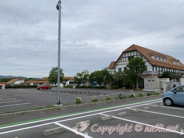 「道の駅 アグリパーク竜王」(滋賀県蒲生郡)の駐車場と施設
